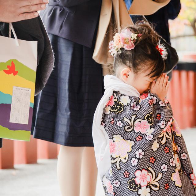 エミリィでレンタルできる着物(3歳女の子用)の着用画像