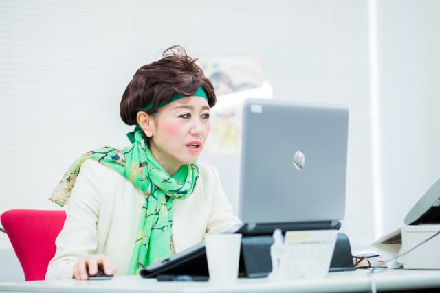 MAKOTO TOCHIKUBOの撮影した小池百合子のハロウィン仮装写真