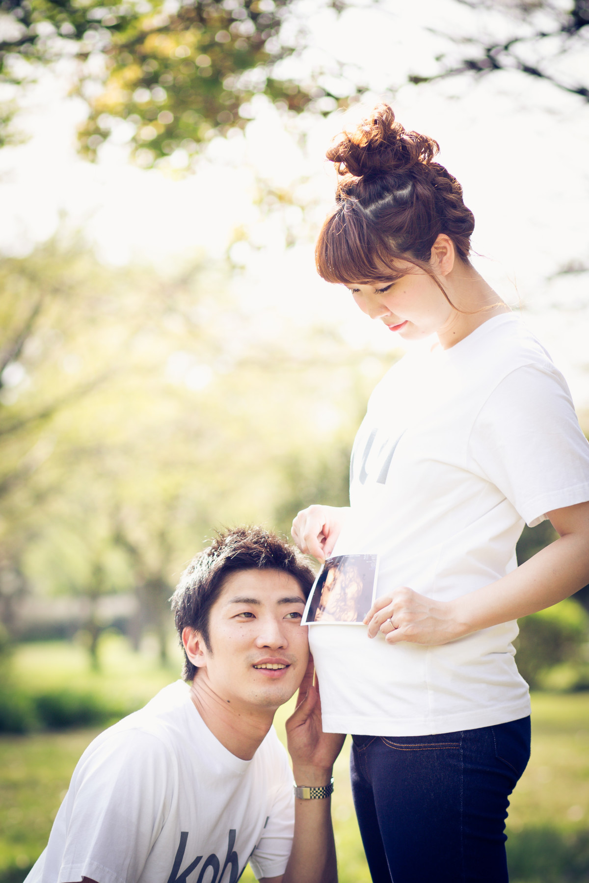 Couple maternity photo shoot in Japan — Photo by Takano Kazuki