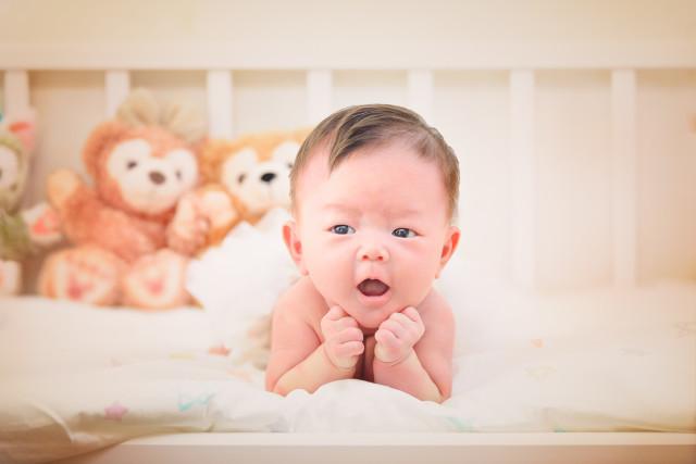 ライトハウスフォトが出張撮影したニューボーンフォト(新生児写真)