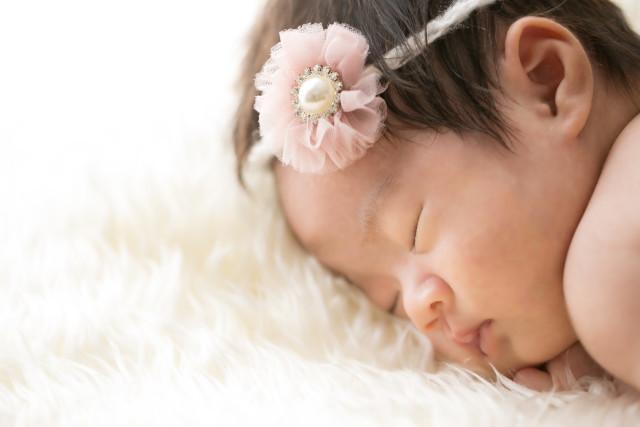 Yuki Shimada Photographyが撮影した姉妹の新生児フォト