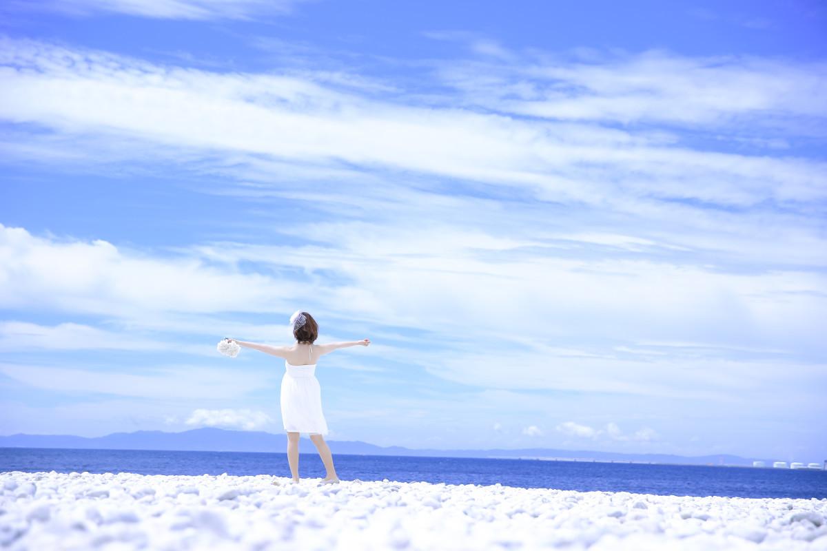 Studio SUNSが撮った沖縄ビーチのウェディングフォト