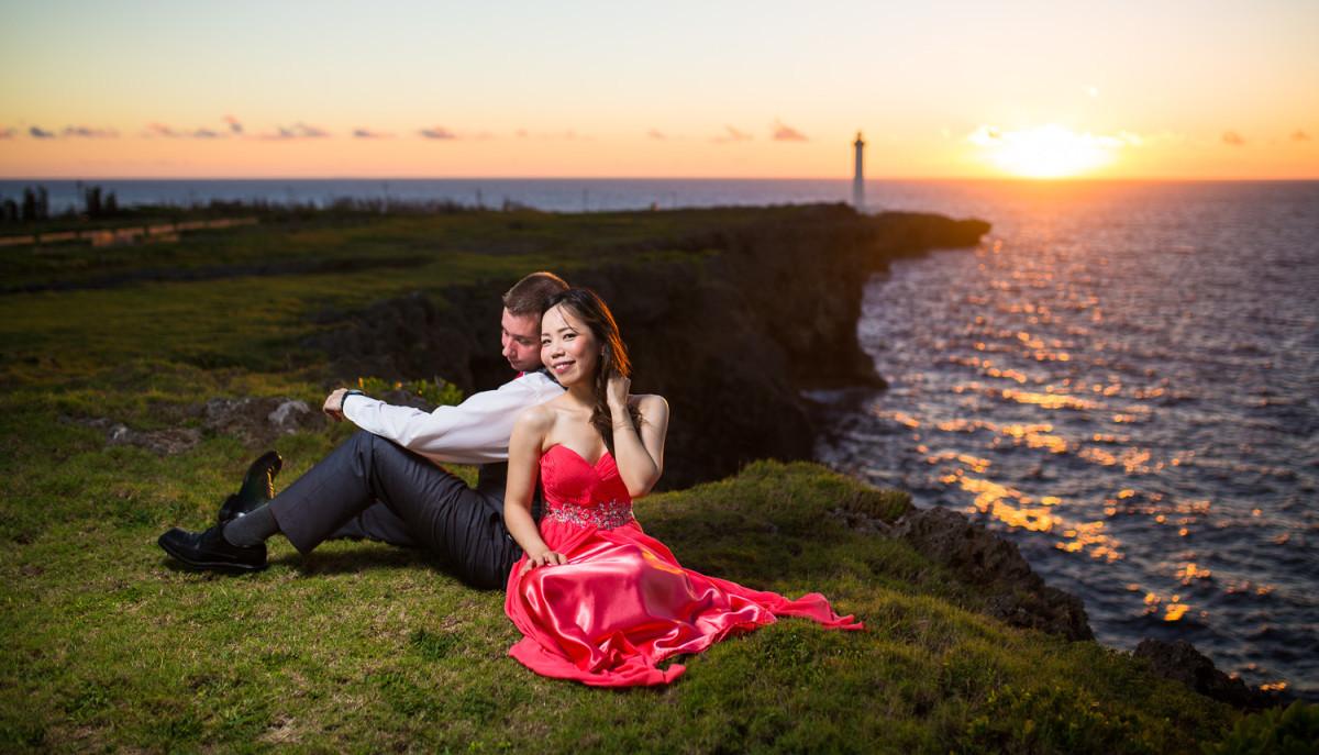 fotoShisa Photography(ピートリオン)が撮った沖縄の夕日のウェディングフォト