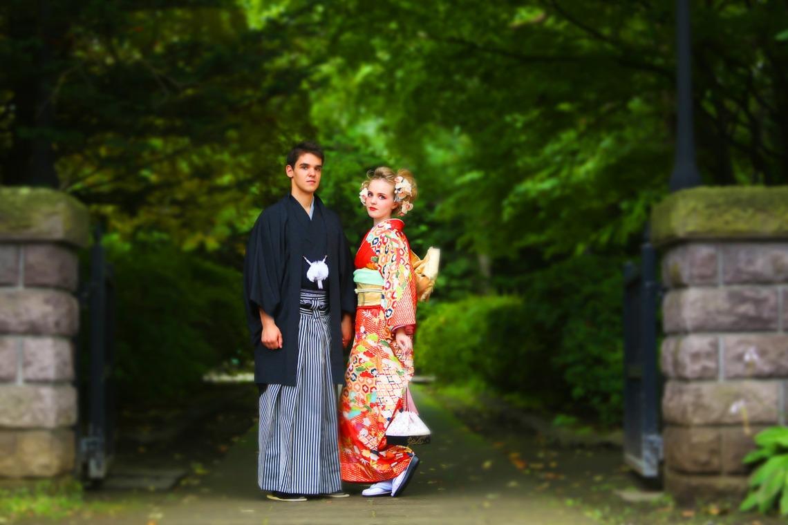 Hokkaido Kimono couple — Photo by Studio-J