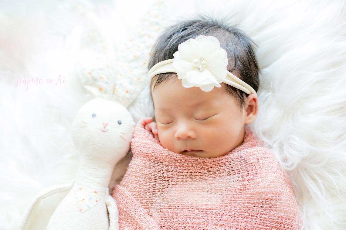 新生児フォト撮影、おすすめポーズと小物を紹介!