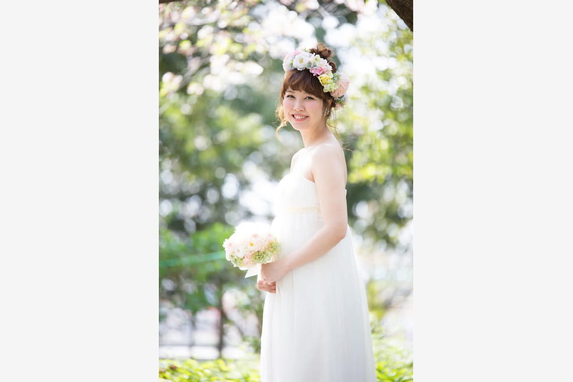 Adorable bride to be — Photo by Takano Kazuki