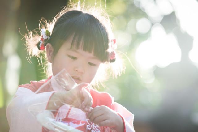 七五三撮影プランでレンタルできる着物(3歳女の子用)の着用画像