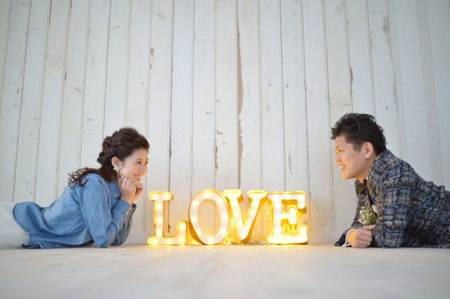 cool Love prop photo shoot — Photo by Katakura Photo Office